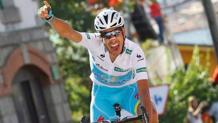 Vuelta: Aru revienta a Dumoulin y es virtual ganador