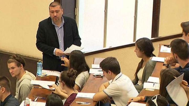PP, PSOE y C's se dan seis meses para pactar las bases para una nueva ley educativa