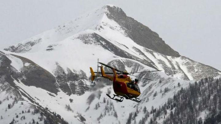 Dos esquiadores muertos y dos desaparecidos por aludes en los Alpes franceses