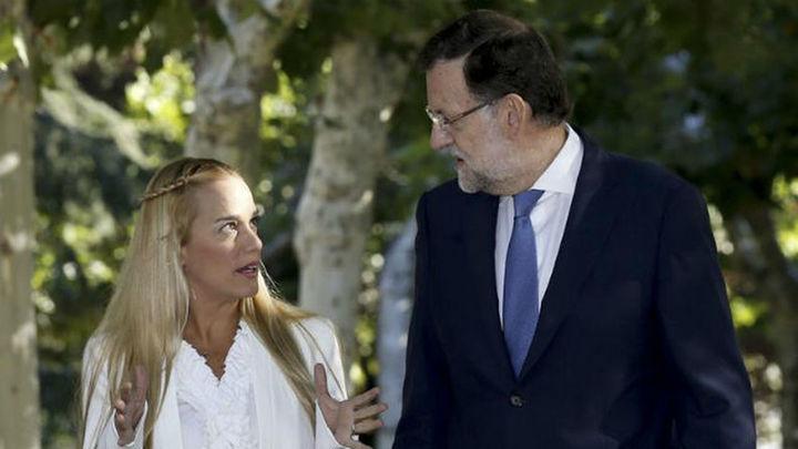 La esposa de Leopoldo López recibe el apoyo de Gobierno y PSOE tras el juicio