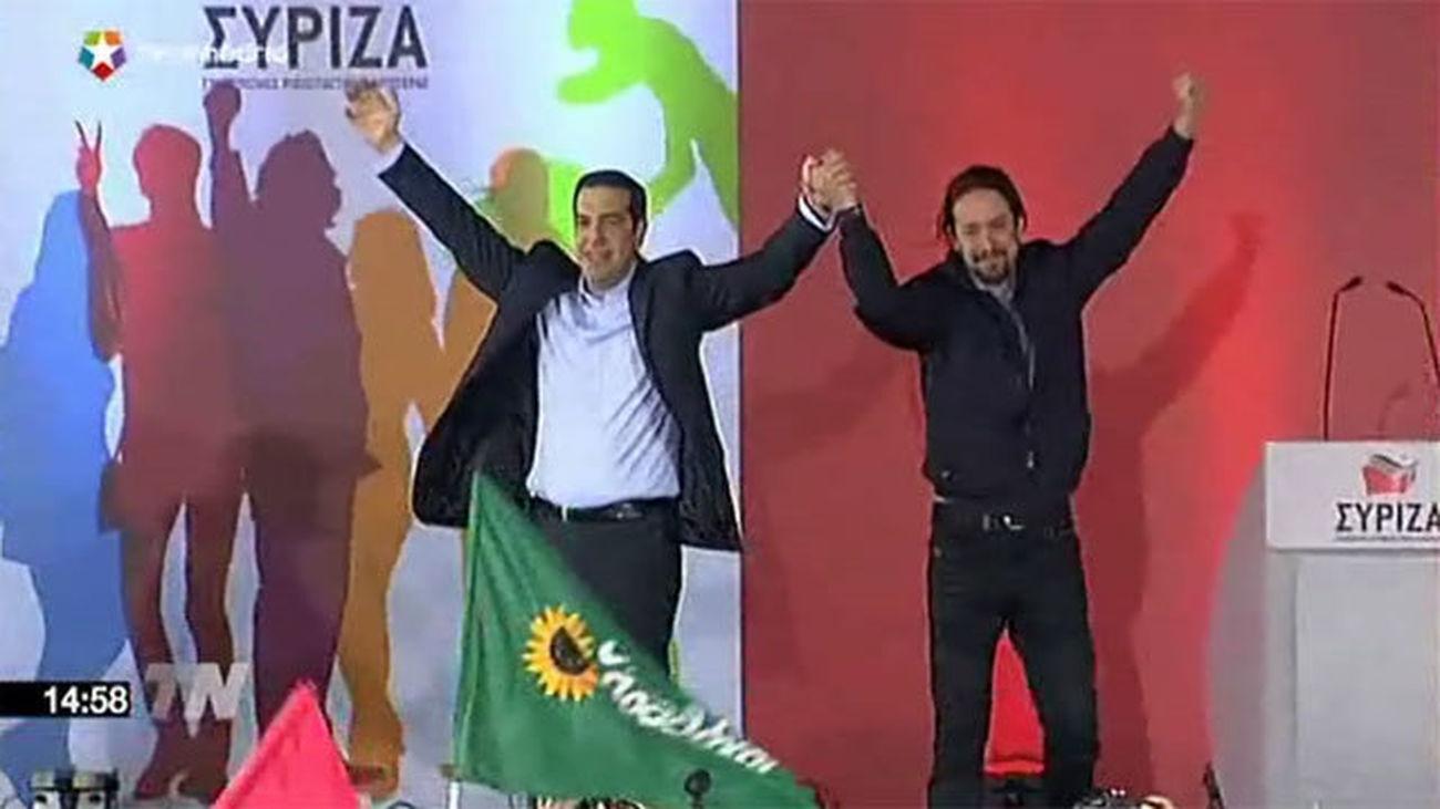 Tsipras cierra la campaña en el centro de Atenas con Pablo Iglesias