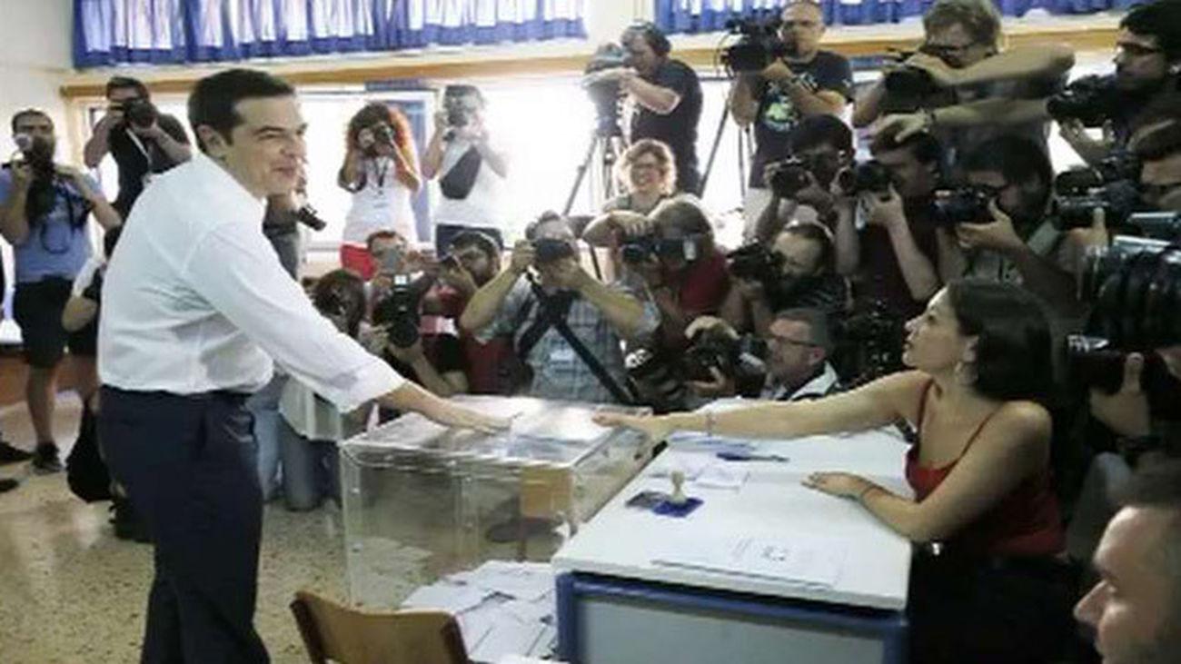 Syriza gana las elecciones en Grecia con 35% de los votos