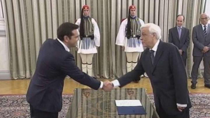 Tsipras se convierte en primer ministro de Grecia un mes después de dimitir