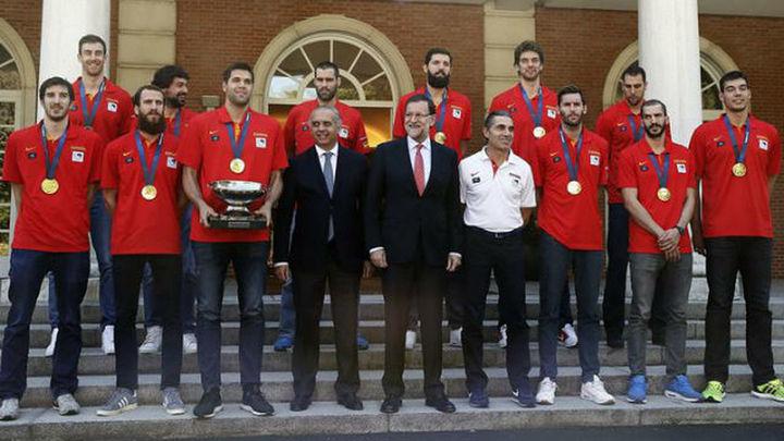 Los tricampeones de Europa celebran el título en La Moncloa