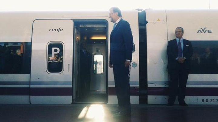 Rajoy inaugura el AVE a León como un nuevo elemento de cohesión de España