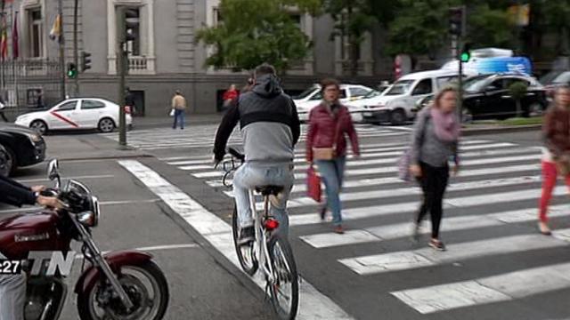 Pasando de carril bici