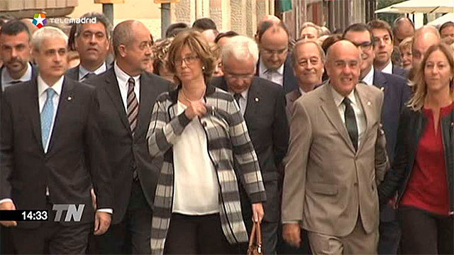 Miembros del gobierno catalán acompañana Turau hasta el Tribunal Superior de Cataluña