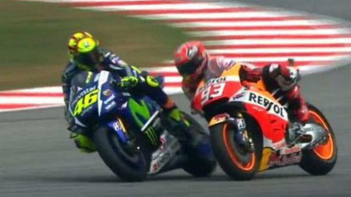 GP Malasia: Rossi tira de una patada a Márquez en una carrera ganada por Pedrosa