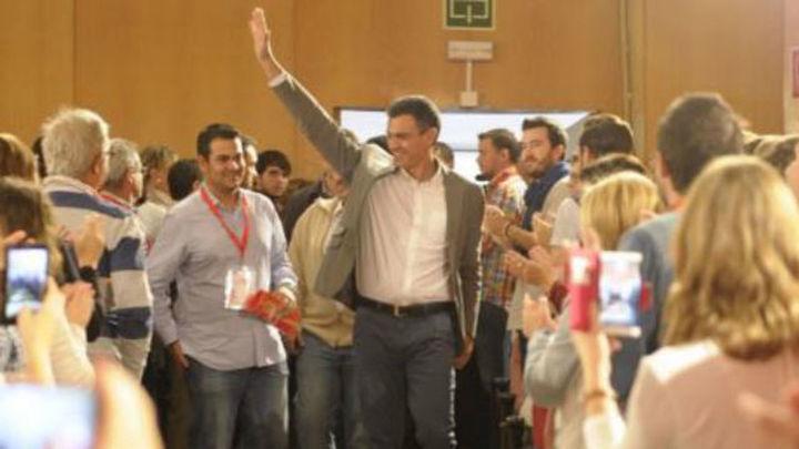 """Sánchez: """"Rajoy y Mas han bailado mejilla con mejilla para aprobar recortes"""""""