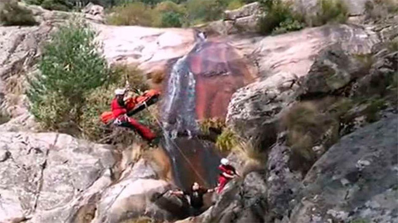 Rescate en helicóptero en Santa María de la Alameda