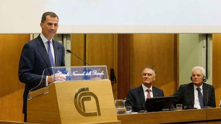 Los reyes Felipe y Juan Carlos asisten en Roma al Encuentro Cotec Europa