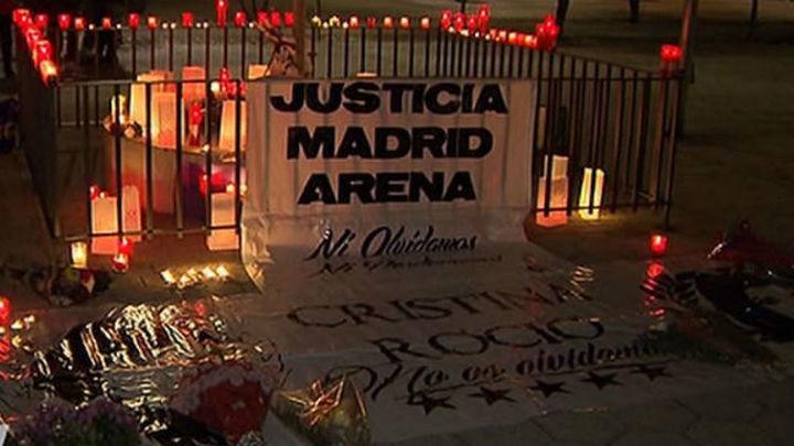 Piden el cierre del Madrid Arena en la vigilia en memoria de las víctimas
