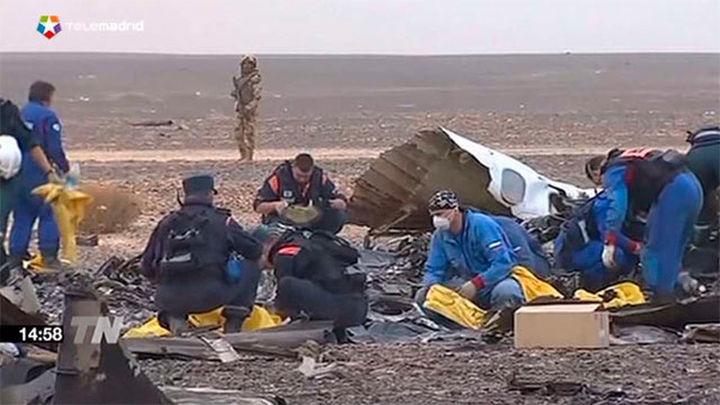 Londres sospecha que el avión ruso pudo estrellarse debido a una bomba