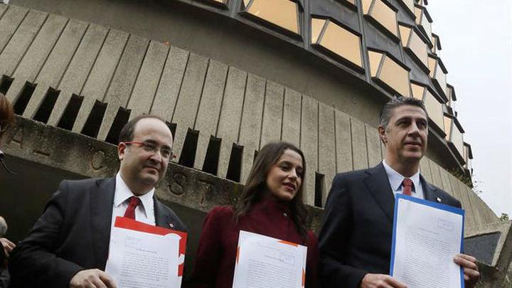 El Constitucional permite por unanimidad que el Parlament debata la moción independentista