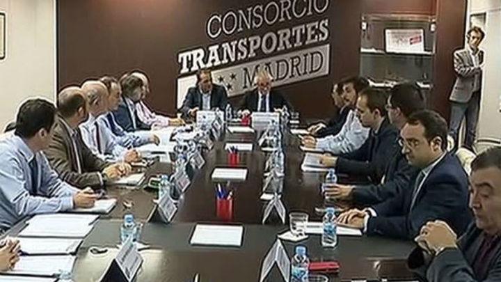 Comunidad y Ayuntamiento se dan 3 semanas para un acuerdo sobre los transportes