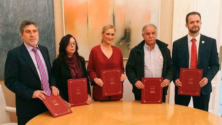 Cifuentes y los sindicatos firman el primer acuerdo en 8 años para empleados públicos