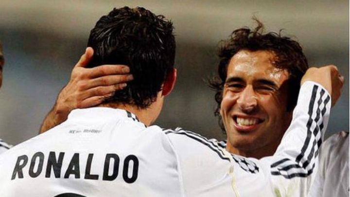 Cristiano, Arbeloa, Benítez, Marcelo y Pepe arropan a Raúl en su despedida