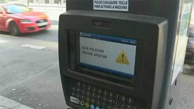 Prohibido aparcar por contaminación