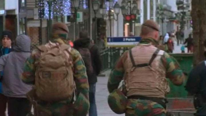 Buscan en Bruselas a dos presuntos terroristas y temen que uno lleve explosivos