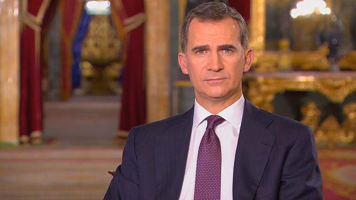 Felipe VI pide a los partidos entendimiento y garantiza la unidad de España
