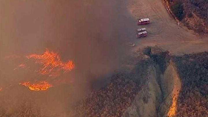 Un incendio calcina cerca de 500 hectáreas de terreno en California