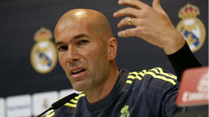 """Zidane: """"Jugarán los tres de arriba pero vamos a defender todos"""""""