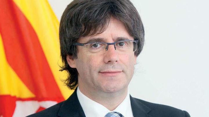 Mas anuncia su renuncia a ser president y cede el testigo a Carles Puigdemont