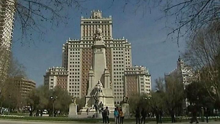 Carmena y Calvo presentan la encuesta sobre la remodelación de Plaza de España