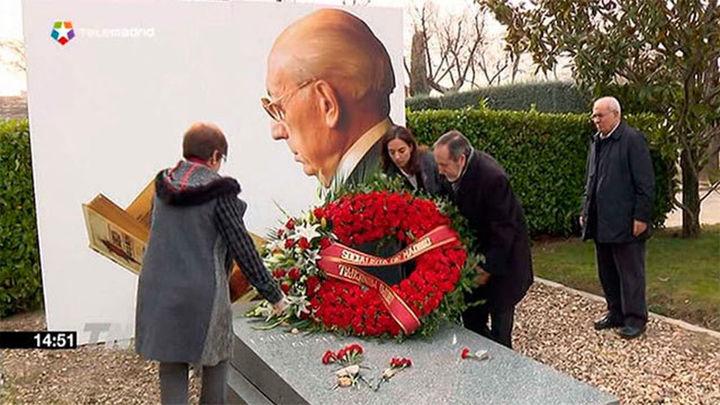 El PSOE honra el legado de Tierno Galván treinta años después de su muerte