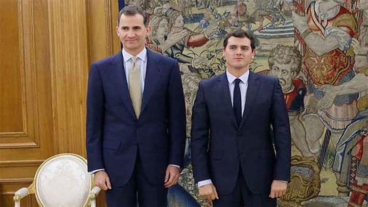 "Ciudadanos se abstendrá si PP o PSOE ""desencallan"" la legislatura"