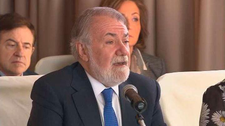 Mayor Oreja y Ruiz-Gallardón asisten al Foro Europeo en Defensa de la Vida