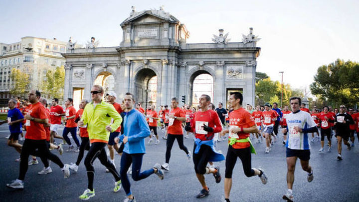 Maratón de Madrid, con 33.611 atletas, cuelga el cartel de 'No hay dorsales'
