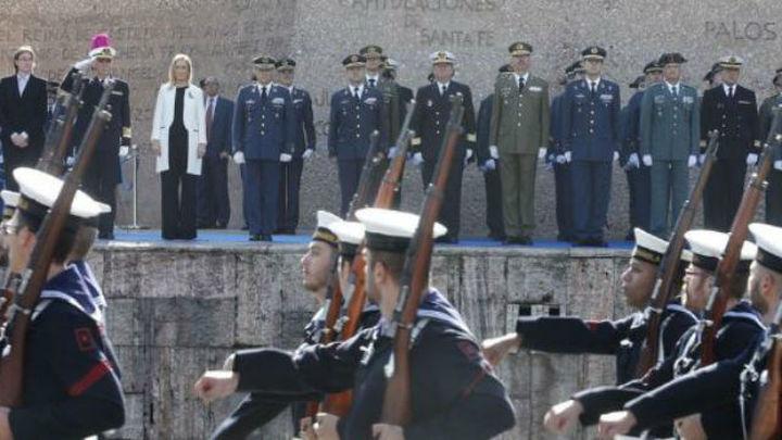 Izado solemne de la bandera en la Plaza de Colón para celebrar San Isidro