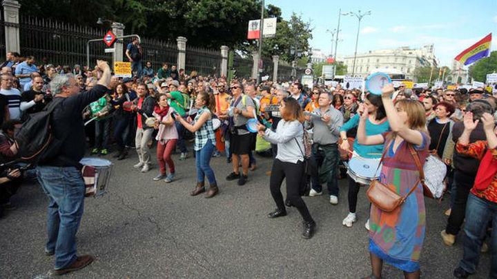 Miles de indignados vuelven a llenar Sol en el quinto aniversario del 15M