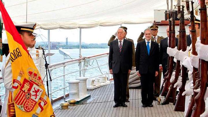 García-Margallo preside en La Habana una jura de bandera a bordo del 'Elcano'