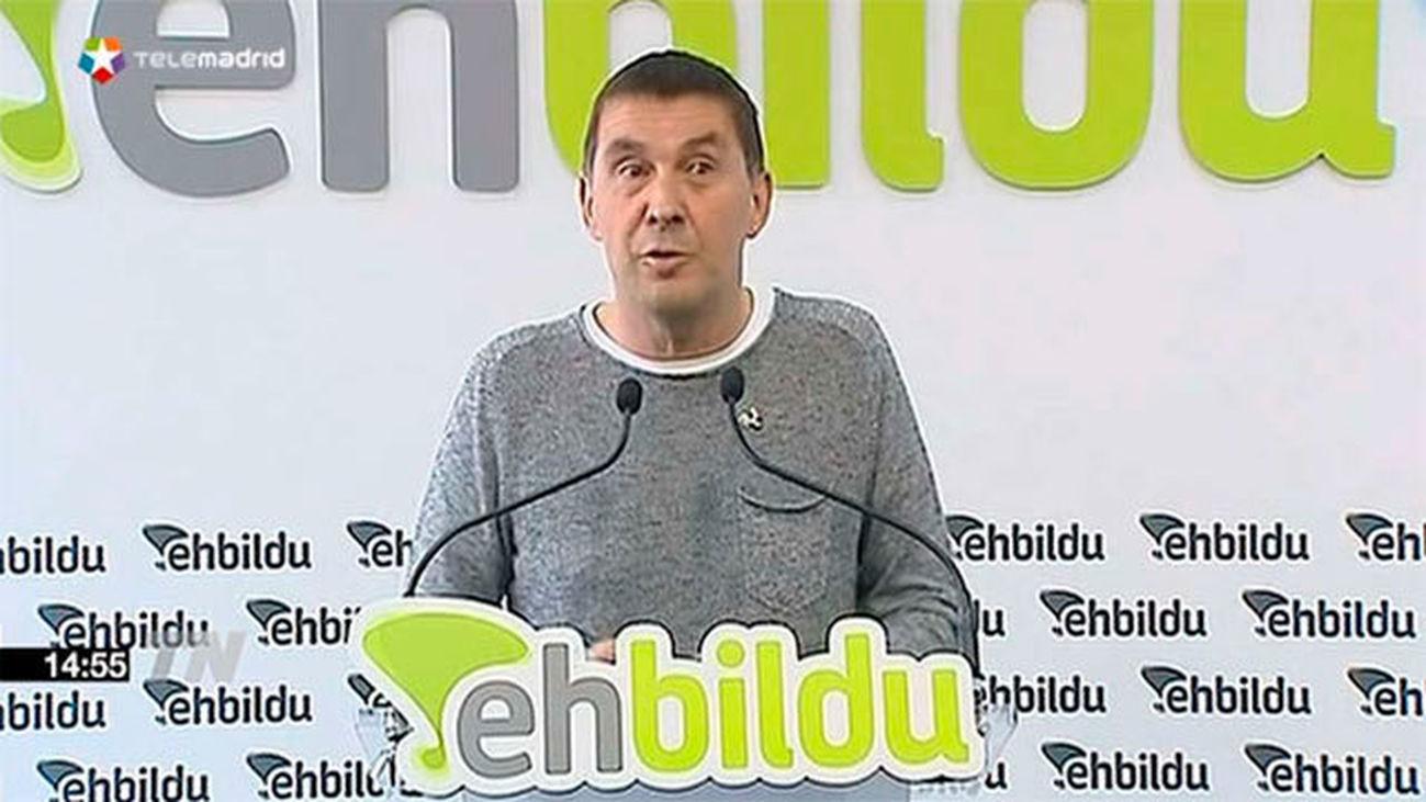 """Otegi: """"si se abre una puerta para democratizar  el Estado español nuestros votos estarán ahí"""""""