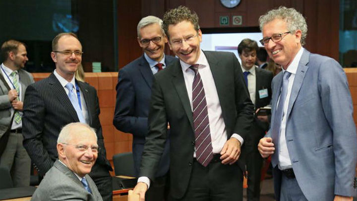 La Eurozona llega  a un acuerdo para desembolsar 10.300 millones de euros a Grecia