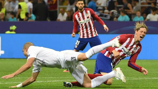 Penalti de Pepe a Fernando Torres