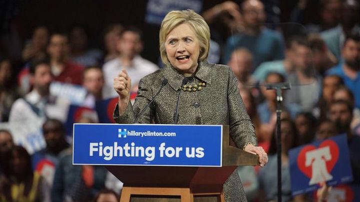 Clinton advierte de que los derechos de las mujeres corren peligro con Trump