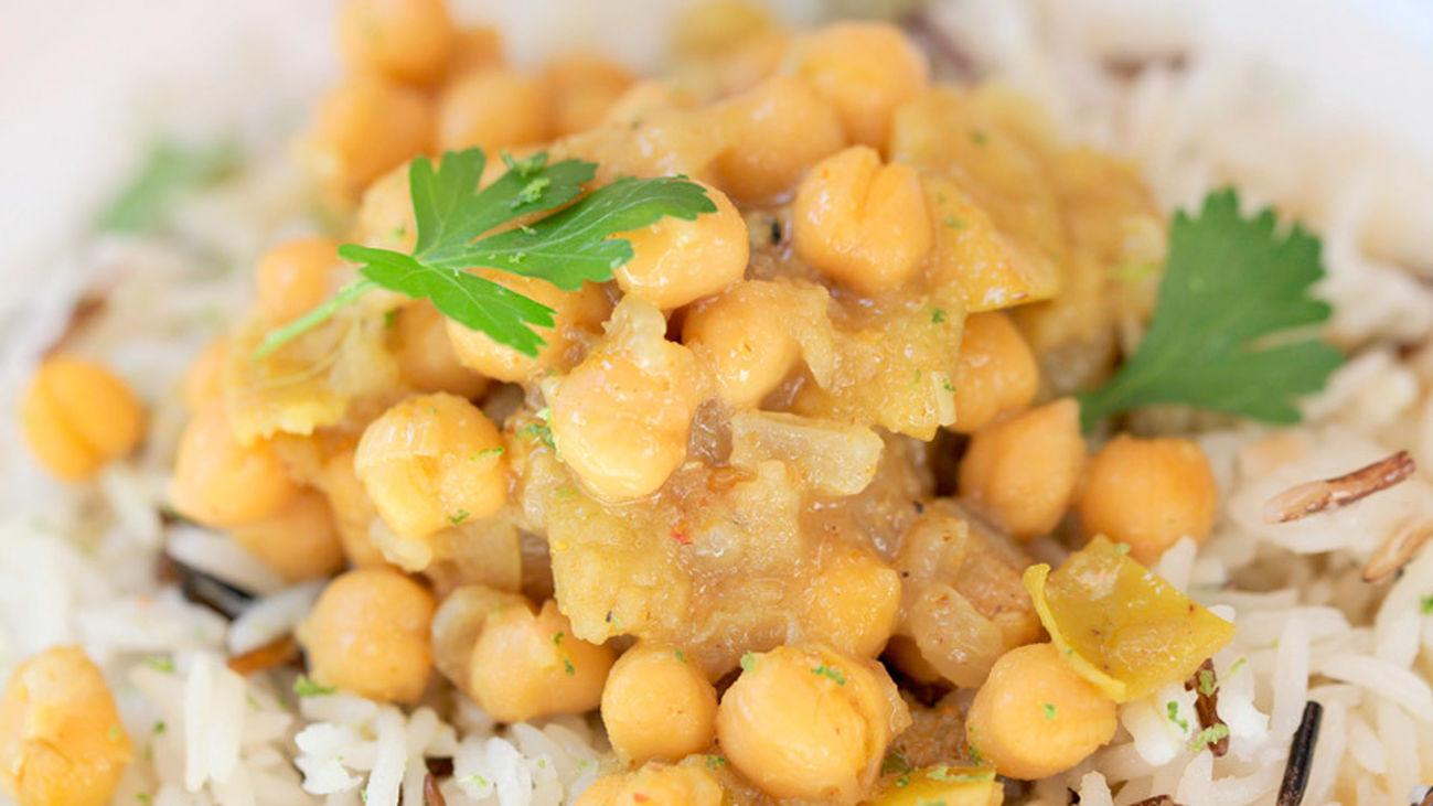 La receta: Garbanzos con curry y arroz salvaje