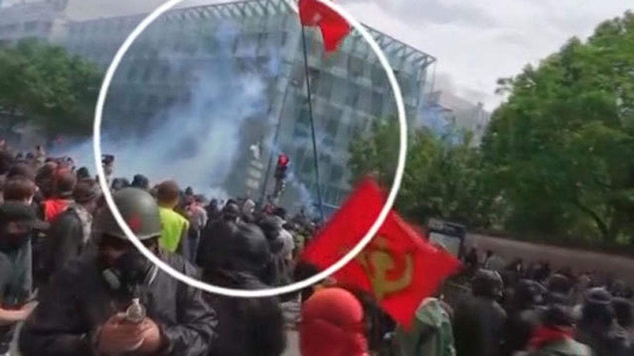 Disturbios frente al Hospital Infantil Neker de París por las protestas