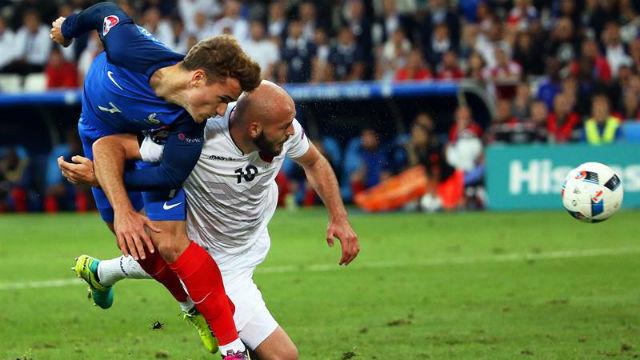 Francia, 2 - Albania, 0