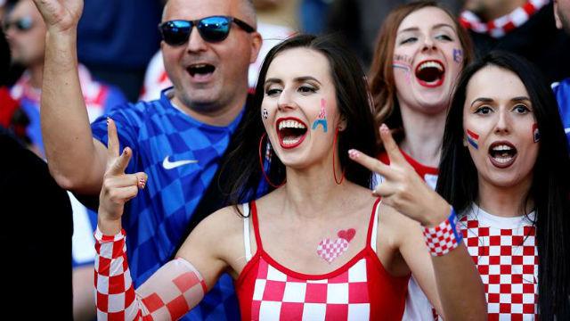 Aficionada croata