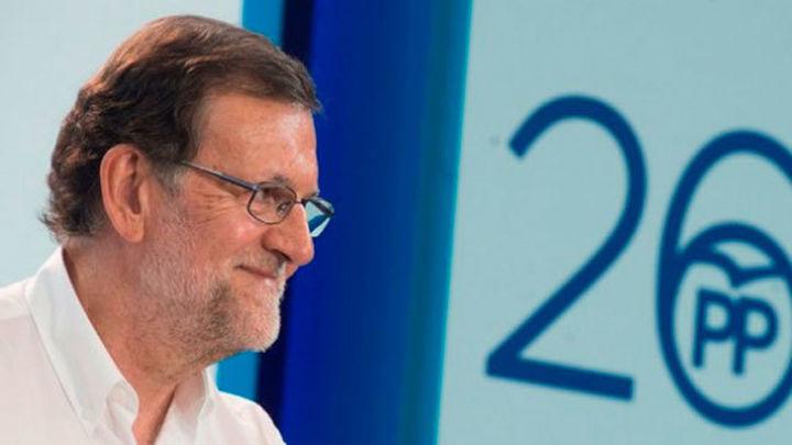 """Rajoy defiende un """"programa pactado"""" con el PSOE"""