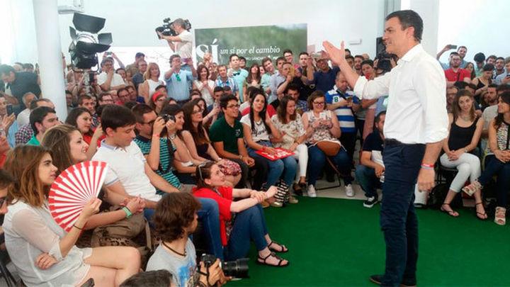"""Sánchez avisa de que lo más inútil es votar """"a los extremos"""""""
