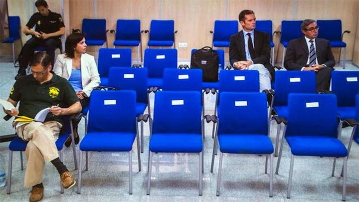 Urdangarin acude de improviso a la penúltima sesión del juicio Nóos