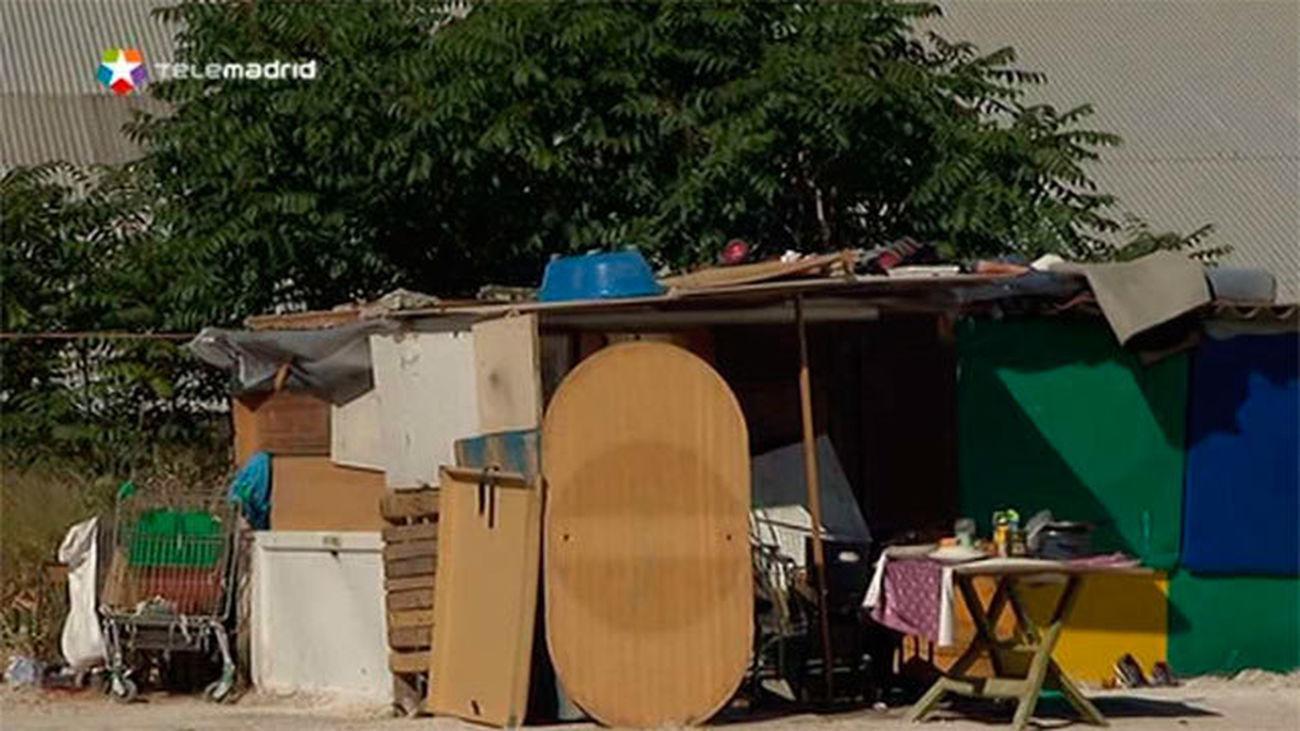 El Ayuntamiento levanta 5 asentamientos de personas que viven en la calle