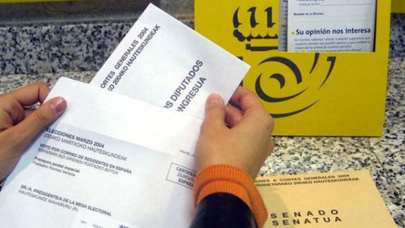 La Junta Electoral Central amplía hasta este jueves el plazo para votar por correo