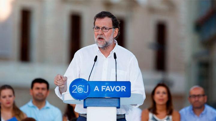 Rajoy ha criticado que sus rivales quieran primar la suma de escaños a la lista más votada