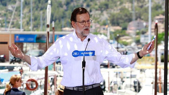 """Rajoy """"está dispuesto a hablar con Sánchez"""" para """"facilitar"""" un pacto de gobierno"""